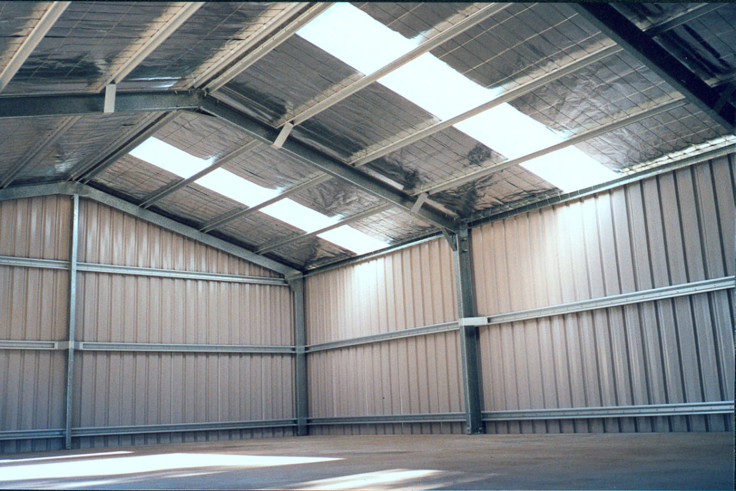 metal framing shed. The Deluxe Range Of Garages Feature Large, Fully Bolted, Pre-formed Knee And Apex Plates. They Also Have A Unique Fascia Allowing For Higher Pitch Roofs Metal Framing Shed